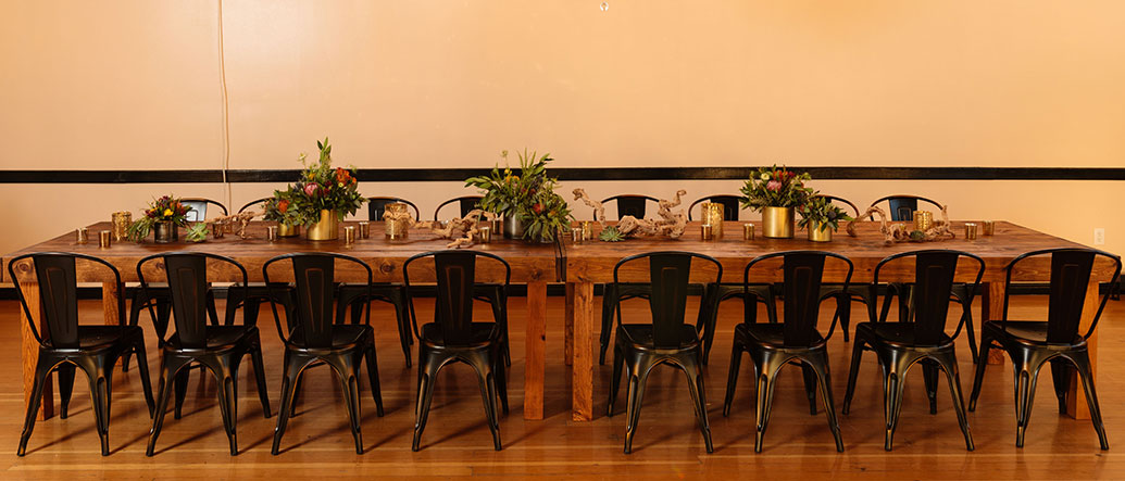 Elio Chairs placed around a table for a Wedding