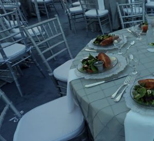 dinner table to rent
